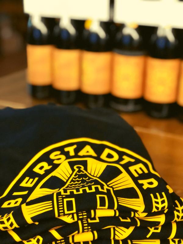 Bierstadter Gold T-Shirt schwarz Logo groß